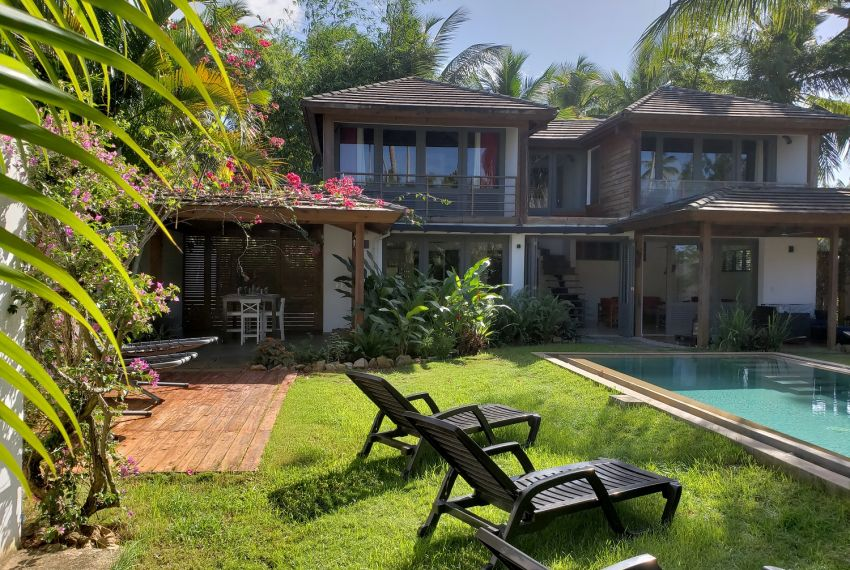 Majestic Caribbean Villa with Private Natural Pool